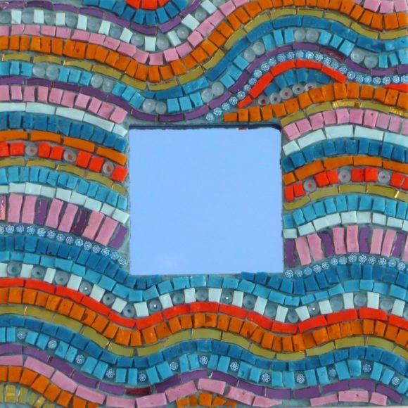 Mini mirror waves 1- mirror-spiegellijst- Mozaïekatelier Colorito-Natasja Mulder