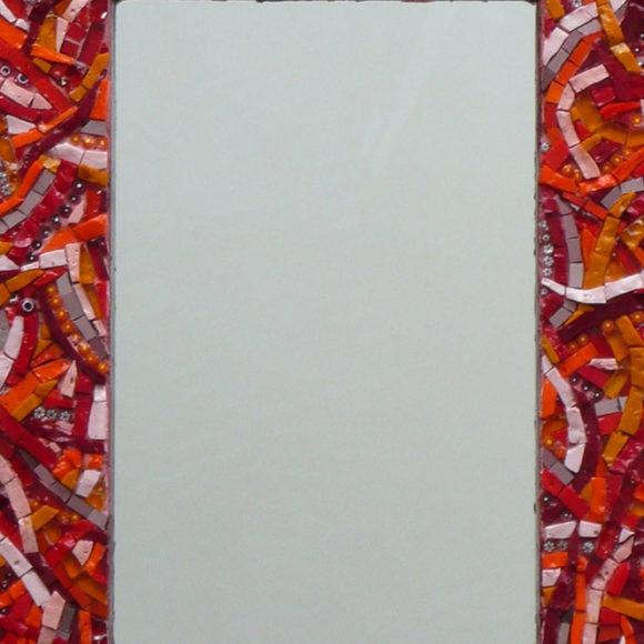 mirror-red-wavy-2x2-mirror-Mozaiekatelier Colorito-Natasja Mulder